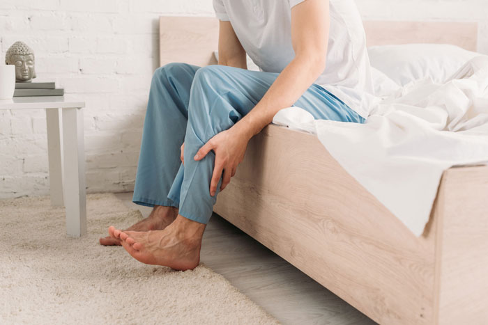با نشانه های سندروم پای بی قرار و نحوه درمان آشنا شوید!
